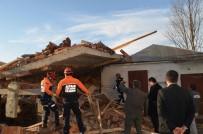 Cami Lojmanı İnşaatı Çöktü Açıklaması 1 Ölü, 7 Yaralı
