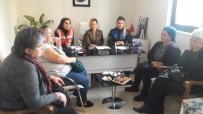 MUHTARLIKLAR - Esenyurt Polisi Suç Ve Suçlulara Karşı Ev Hanımlarını Bilinçlendiriyor