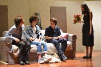 TıP FAKÜLTESI - Geleceğin Doktorları Tiyatro Sahnesinde
