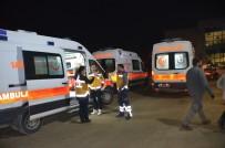 KAÇAK GÖÇMEN - Iğdır'da Kaçak Göçmenleri Taşıyan Minibüs Devrildi Açıklaması 26 Yaralı