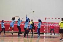 GENÇLİK VE SPOR BAKANLIĞI - Okul Sporları Müsabakaları Hentbol Maçlarıyla Başladı
