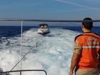 SÜRAT TEKNESİ - Sürat Teknesinde 18 Kaçak Göçmen Yakalandı