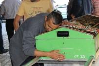 ADLİ TIP KURUMU - Tek Teker Arif'le Trafik Kazasında Ölen Ülkü Özcan Defnedildi
