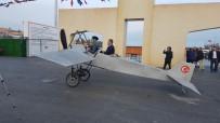 Temsili Uçakla Şeref Turu Attı