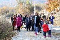 OKSIJEN - Tokat'ta Öğrenciler Anneleri İle Birlikte Sonbaharın Tadını Çıkardı