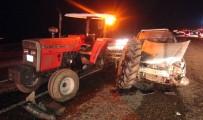 Traktöre Arkadan Çarptı Açıklaması 2 Yaralı