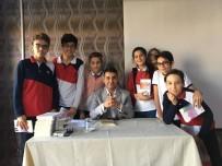 OKUL MÜDÜRÜ - Yazar Ve Şair Alper Tunga Kumtepe Öğrencilerle Buluştu