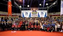 FEYZULLAH KIYIKLIK - Bağcılar'ın Başarılı 550 Genci Altınla Ödüllendirildi