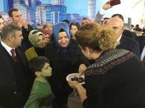 AİLE VE SOSYAL POLİTİKALAR BAKANI - Bakan Kaya, Sinop Tanıtım Günleri'nde Yöresel Tatlar Denedi