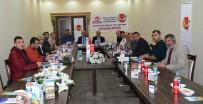 HATIRA FOTOĞRAFI - Bölge Gazetecilerinin Sorunları Bitlis'te Masaya Yatırıldı