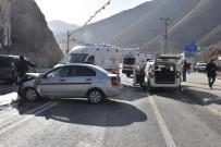 ESKİBAĞLAR MAHALLESİ - Gümüşhane'de Trafik Kazası Açıklaması 7 Yaralı