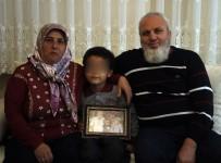 GÖZYAŞı - Koruyucu Aile Tüm Engelleri Tek Tek Aştı, 28 Yıl Sonra 'Anne', 'Baba' Sözüyle Tanıştı