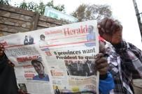 ZIMBABVE - Mugabe'ye İstifa Çağrısı