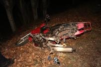 AKALAN - Otomobil Motosiklete Arkadan Çarptı Açıklaması 1 Ölü, 1 Yaralı