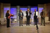 MUTLU GÜNEY - 'Sanat' Tiyatro Oyunu Biga'da Sahnelendi