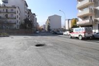 YAĞMUR SUYU - Şehit Akif Ağaoğlu Caddesi Asfaltlandı