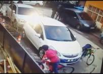 EBEVEYN - Sibop Kapaklarını Alan Çocuklar Güvenlik Kamerasında