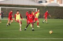 LEFTER KÜÇÜKANDONYADİS - Sivasspor, Fenerbahçe Maçına Hazır