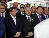 DÜNYA ŞAMPİYONU - Ahmet Davutoğlu, Naim Süleymanoğlu'nun Cenaze Törenine Katıldı