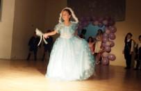 Burhaniye'de Miniklerin Bale Gösterisi Büyüledi