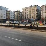 KALDIRIMLAR - Büyükşehir'den Pazar Mesaisi