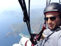 PARAŞÜTÇÜ - Eskişehirli Paraşütçünün Büyüleyen Uçuşu
