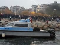 DENİZ POLİSİ - Kadıköy'de Denize Düşen Şahıs Hayatını Kaybetti