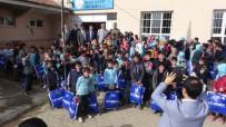 İLÇE MİLLİ EĞİTİM MÜDÜRÜ - Küçük'ten 7 Bin 500 Öğrenciye Kışlık Elbise Yardımı