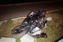 PAŞAKÖY - Motosikletiyle Kaza Yapan Genç Hayatını Kaybetti