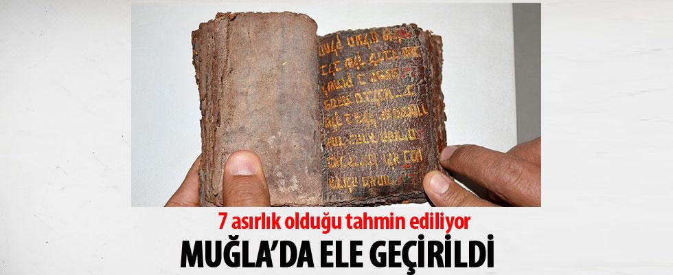 Muğla'da altın yazmalı Tevrat ele geçirildi