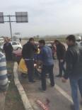 YENIKENT - Sakarya'da İki Otomobil Çarpıştı Açıklaması 3 Yaralı