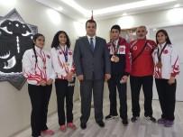 BILAL ÖZKAN - Şampiyonlara Başkan Özkan Sahip Çıktı