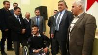 AKÜLÜ SANDALYE - Suriyeli Öğrenciye Akülü Tekerlekli Sandalye Verildi