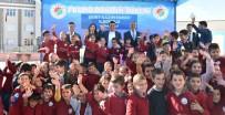 OKUL FORMASI - 900 Öğrencinin Okul Formaları Tütüncü'den