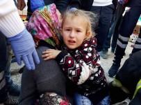 SUBAŞı - Ayağı Su Borusuna Sıkışan Küçük Çocuğun Zor Anları