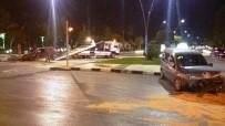 MERKEZ EFENDİ - Kaza Yapan Otomobil Alev Aldı Açıklaması 3 Yaralı