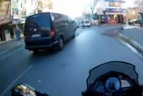 MİNİBÜS ŞOFÖRÜ - Motosiklet, Minibüse Böyle Çarptı