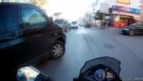 MİNİBÜS ŞOFÖRÜ - (Özel) Ümraniye'de Motosikletin Minibüse Çarptığı Anlar Kamerada