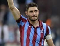 ÖZER HURMACı - Özer Hurmacı'ya futboldan 6 ay men