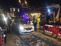 GÜLHANE - Sirkeci'de Tramvay Yoluna Araç Girdi, Seferler Aksadı