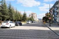 TRAFİK MÜDÜRLÜĞÜ - Yaşar Doğu Caddesi'nde Tek Taraflı Park Yasağı Başladı