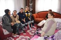 YAŞ SINIRI - Başkan Görmez'in Eşi Ev Ev Dolaşıyor