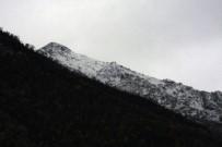 HAVA SICAKLIĞI - Beytüşşebap Dağları Beyaz Örtüye Büründü