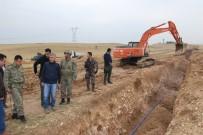 CİZRE BELEDİYESİ - Cizre Belediyesi 7 Köy Ve Mezrada Yol Yapım Çalışmasına Başladı