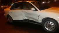 MÜLKIYE - İki Otomobil Çarpıştı Açıklaması 4 Yaralı