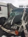 GELENBE - Kamyon İle Kamyonetle Çarpıştı Açıklaması 2 Yaralı