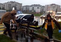 TİCARİ ARAÇ - Karşıya Geçmeye Çalışan Okul Müdürüne Araba Çarptı
