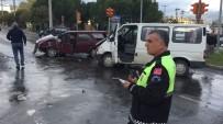 TİCARİ ARAÇ - Milas'ta Kaza Açıklaması 2 Yaralı