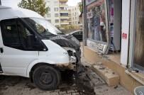 KOÇAŞ - Öğretmenleri Taşıyan Servis Minibüsü Kaza Yaptı Açıklaması 10 Yaralı