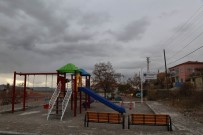 SINDELHÖYÜK - Oniki Mahallede Başlatılan Park Çalışmasında Sona Gelindi